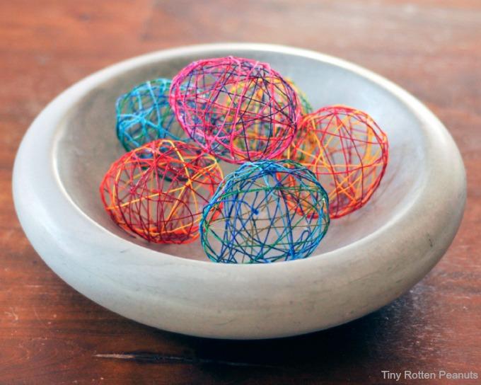 Oster Eier aus Faden